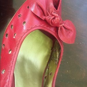 Guess red open toe pumps